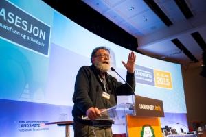 Politikkprofessor Frank Aarebrot talte til landsmøtet, og ba Arbeidsmandsforbundet kreve eget godkjent-stempel. Foto: Ylva Seiff Berge